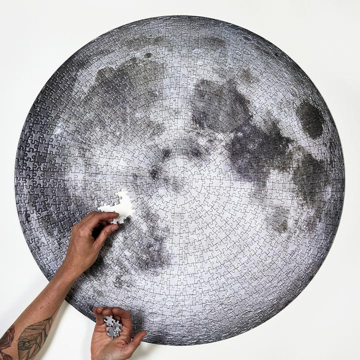 Moon Puzzle by Four Point Puzzles